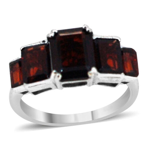 Mozambique Garnet (Oct 2.47 Ct) 5 Stone Ring in Rhodium Plated Sterling Silver 5.750 Ct.