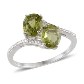Hebei Peridot (Ovl), Diamond Ring in Platinum Overlay Sterling Silver 2.760 Ct.