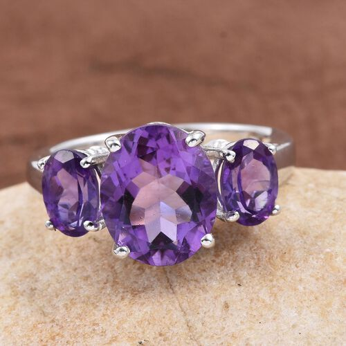 Uruguay Amethyst (Ovl 3.25 Ct) 3 Stone Ring in Platinum Overlay Sterling Silver 4.750 Ct.