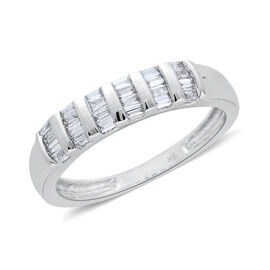 9K White Gold SGL Ceritified 0.25 Carat Diamond (Bgt) (I3/G-H) Ring.