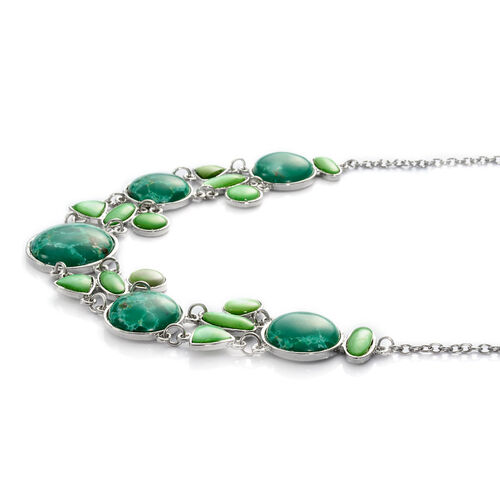 Green Jasper and Green Colour Dyed Puka Shell Necklace (Size 22) in Silver Tone