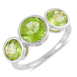 9K W Gold AAA Hebei Peridot (Rnd 3.00 Ct) 3 Stone Ring 6.000 Ct.