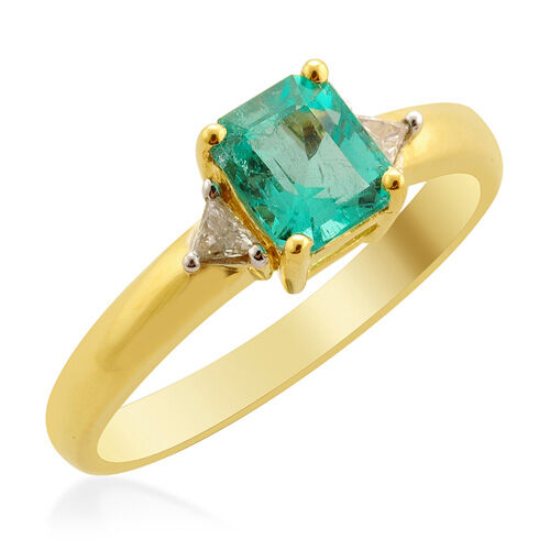 ILIANA Boyaca Colombian Emerald (0.90 Ct) and Diamond 18K Y Gold Ring  1.026 Ct.