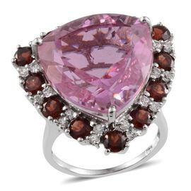 Kunzite Colour Quartz (Trl 30.00 Ct), Mozambique Garnet and White Topaz Ring in Platinum Overlay Sterling Silver 34.500 Ct.