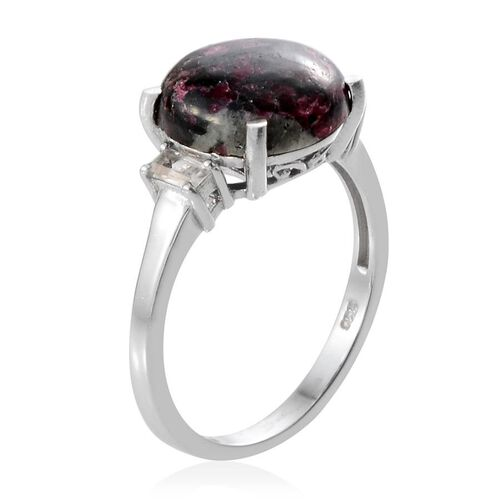 Natural Russian Eudialyte (Rnd 4.50 Ct), White Topaz Ring in Platinum Overlay Sterling Silver 4.750 Ct.