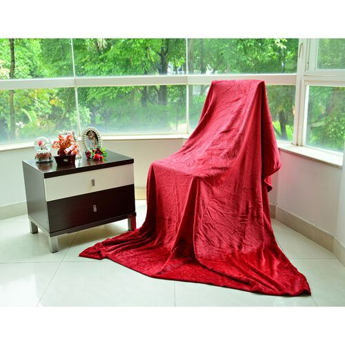 Superfine Microfibre Red Colour Super Soft Blanket (Size 200x150 Cm)