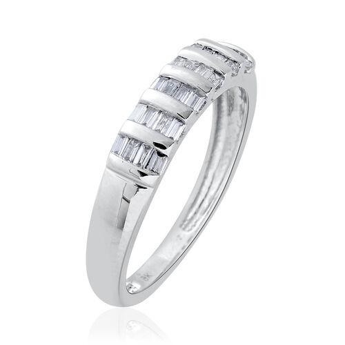 9K White Gold SGL Ceritified 0.25 Carat Diamond (Bgt) (I3/G-H) Ring.