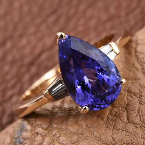 ILIANA 18K Yellow Gold AAA Tanzanite (Pear 3.60 Ct), Diamond (SI/G-H) Ring 3.750 Ct.