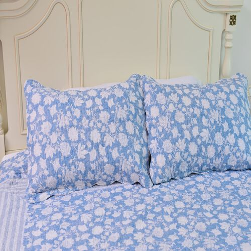 100% Cotton White Colour Floral and Leaves Printed Blue Colour Quilt (Size 250X220 Cm) with 2 Shams (Size 70X50 Cm)