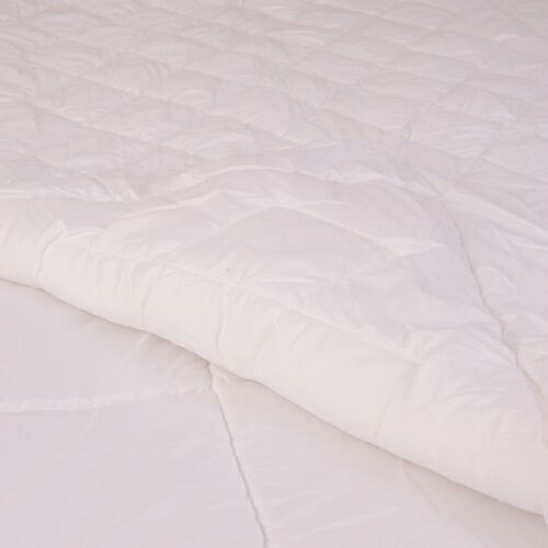 White Colour 4-Seasons King-Size Quilt (Size 225x220 Cm, Weight 296+222 Gsm)