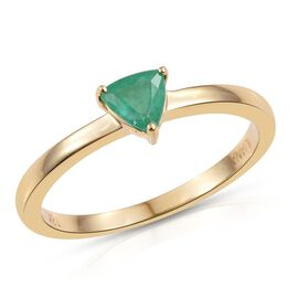 ILIANA 18K Yellow Gold 0.50 Carat Boyaca Colombian Emerald Trillion Solitaire Ring.
