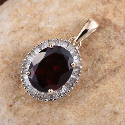 9K Y Gold AAA Odisha Rhodolite Garnet (Ovl 3.50 Ct), Diamond (I3/G-H) Pendant 3.750 Ct.