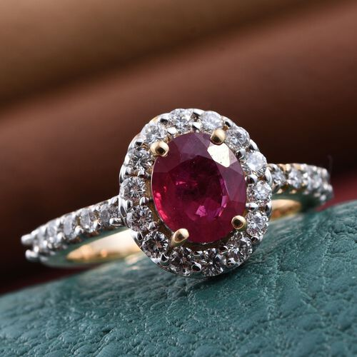 ILIANA 18K Yellow Gold 1.90 Carat Pigeon Blood Burmese Ruby Engagement Ring with Diamonds SI G-H.