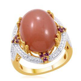 Mitiyagoda Peach Moonstone (Ovl 10.50 Ct), Rhodolite Garnet and Diamond Ring in 14K Gold Overlay Sterling Silver 10.770 Ct.