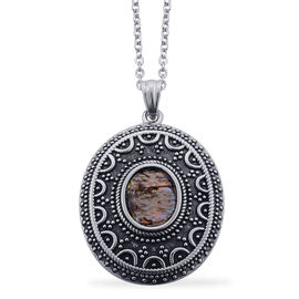 Abalone Shell Pendant With Chain in Stainless Steel 8.000 Ct.