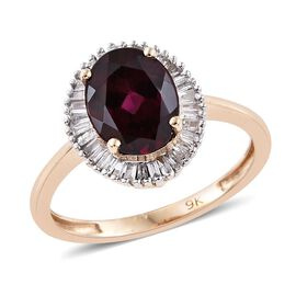 9K Y Gold Rare Mozambique Grape Colour Garnet (Ovl 2.25 Ct), Diamond Ring 2.500 Ct.