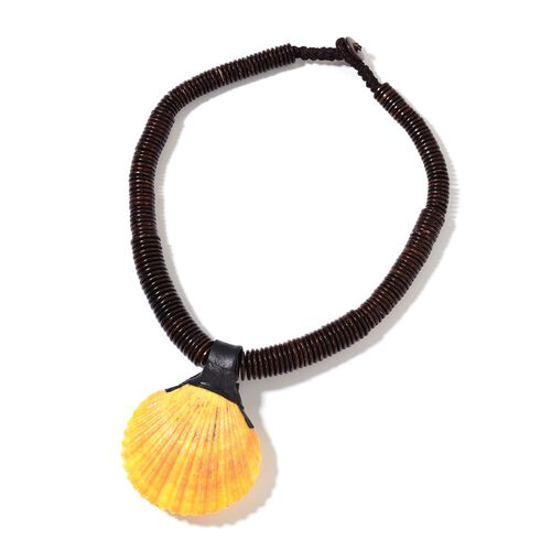 Hand Crafted Yellow Shell Pearl Necklace (Size 18) 341.000 Ct