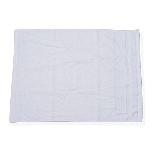White Colour Set of 4 Bamboo Cotton Towels - 1 Bath Towel (Size 130x65 Cm), 2 Face Cloths (Size 65x50 Cm) and 1 Hand Towel