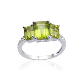 AA Hebei Peridot (Oct 1.50 Ct), White Topaz Ring in Platinum Overlay Sterling Silver 2.900 Ct.