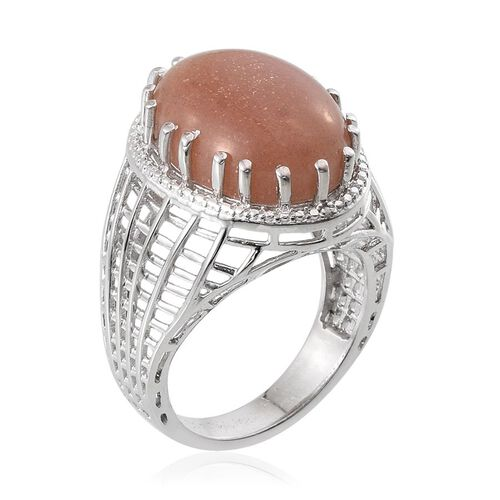 Morogoro Peach Sunstone (Ovl 15.75 Ct), Diamond Ring in Platinum Overlay Sterling Silver 15.760 Ct.