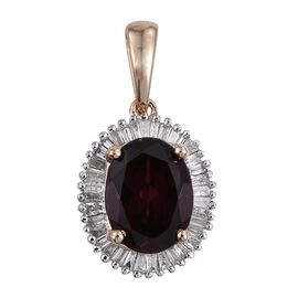 9K Y Gold Rare Mozambique Grape Colour Garnet (Ovl 2.35 Ct), Diamond Pendant 2.500 Ct.