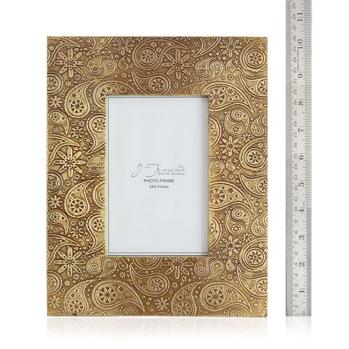 (Option 3) J Francis - Hand Crafted Embossed Paisley Pattern Wooden Photo Frame (Size 6x4 Inch)