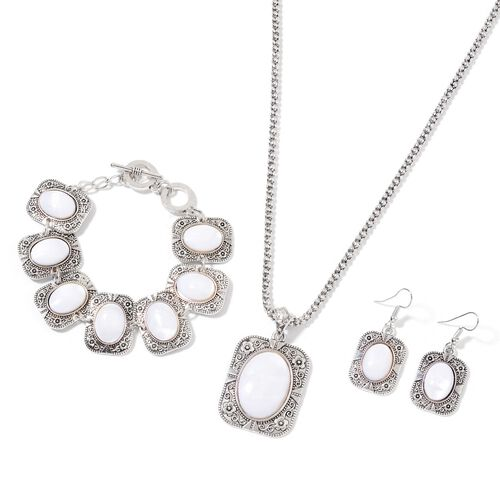 White Shell Floral Necklace (Size 18 with 2 inch Extender), Bracelet (Size 8) and and Hook Earrings Silver Tone 121.000 Ct.