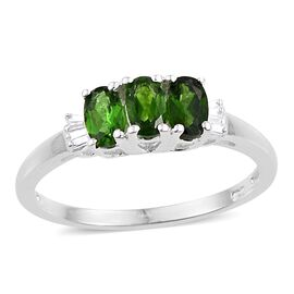 Russian Diopside (Ovl), Diamond Ring in Sterling Silver 0.750 Ct.
