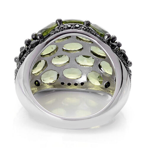AA Hebei Peridot (Ovl), Boi Ploi Black Spinel Cluster Ring in Black Rhodium Plated Sterling Silver 10.750 Ct.