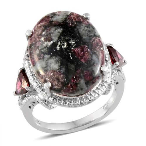 Russian Eudialyte (Ovl 10.00 Ct), Rhodolite Garnet Ring in Platinum Overlay Sterling Silver 11.000 Ct.