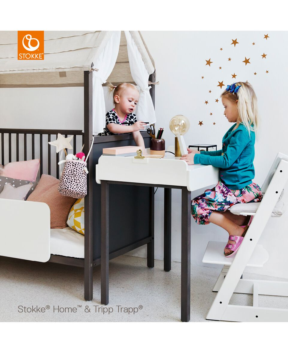 hochstuhl tripp trapp schwarz von stokke bei babyone. Black Bedroom Furniture Sets. Home Design Ideas