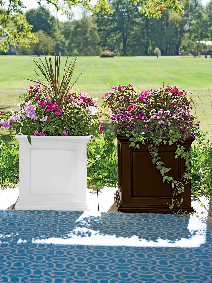 square planters  self watering square planter  gardenerscom - fairfield square planter
