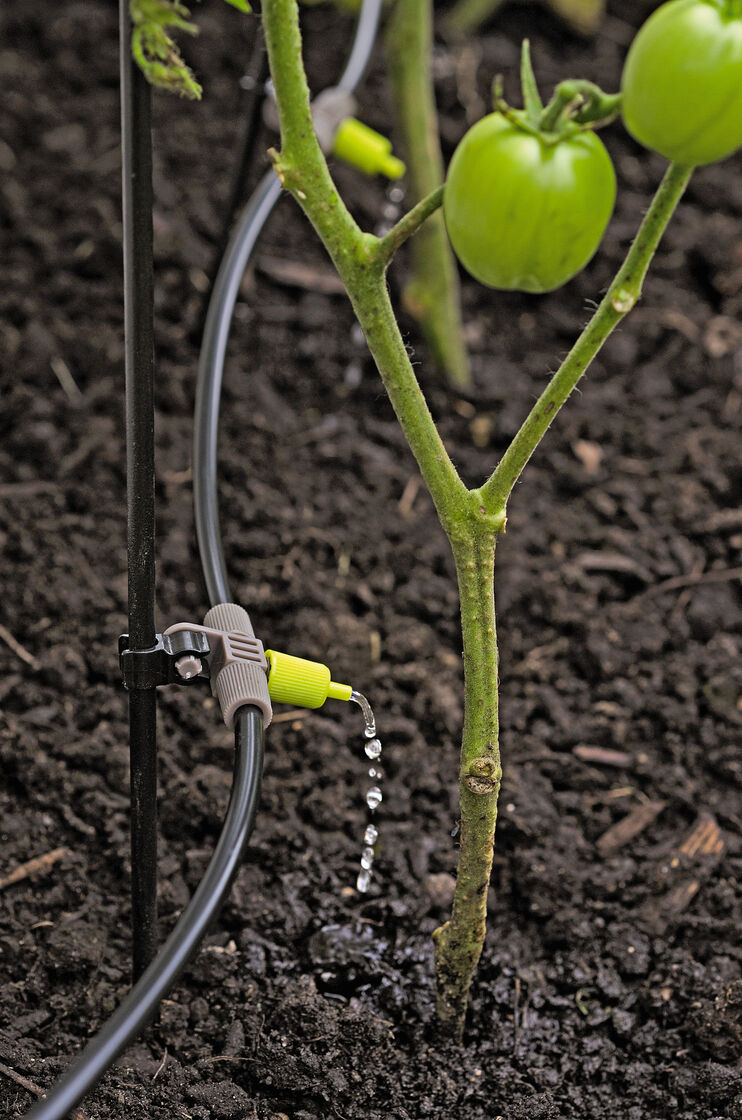 Deluxe Micro Snip N Drip Irrigation Kit With Stakes