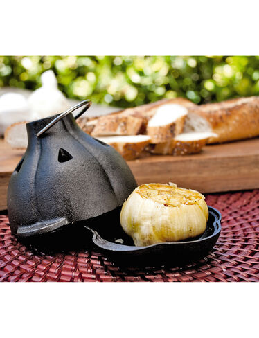 Cast Iron Garlic Roaster