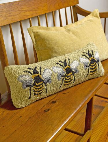 Bumblebee Hooked Wool Pillow Gardener S Supply