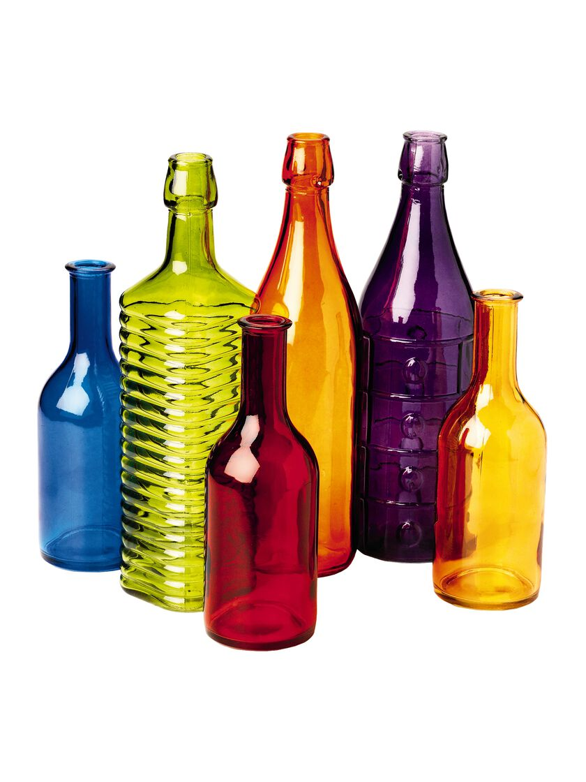 Colored bottles colored glass bottles bottle tree bottles for Colored bottles for decorations