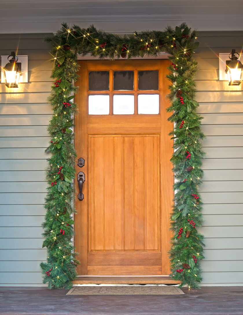 Pre Lit Christmas Garland Battery Operated