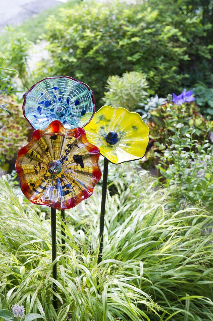 Art Glass Flower | Garden Art Stakes | Gardener's Supply
