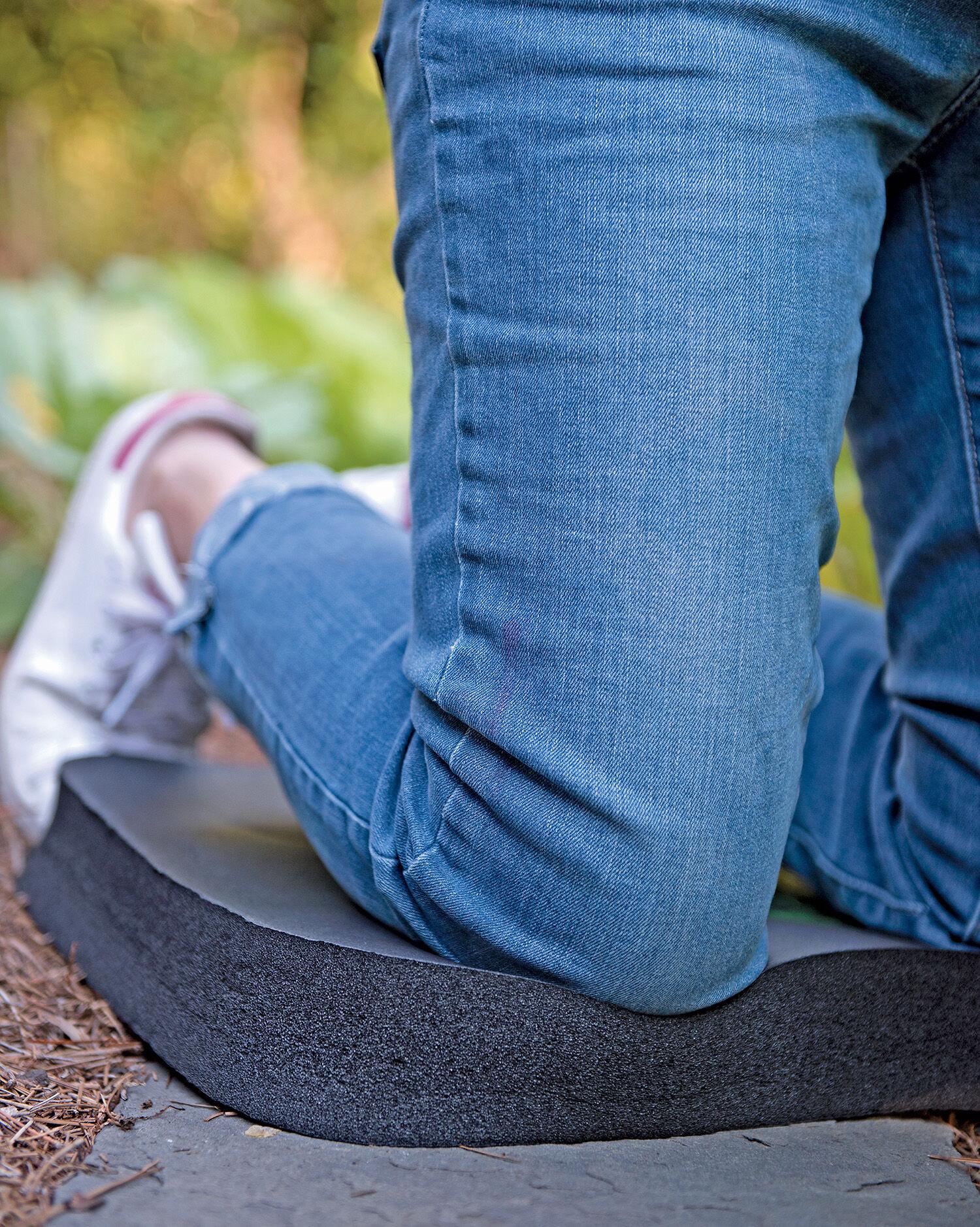 Gardening seat gardening chair low rider swivel scoot for Gardening kneeling pads