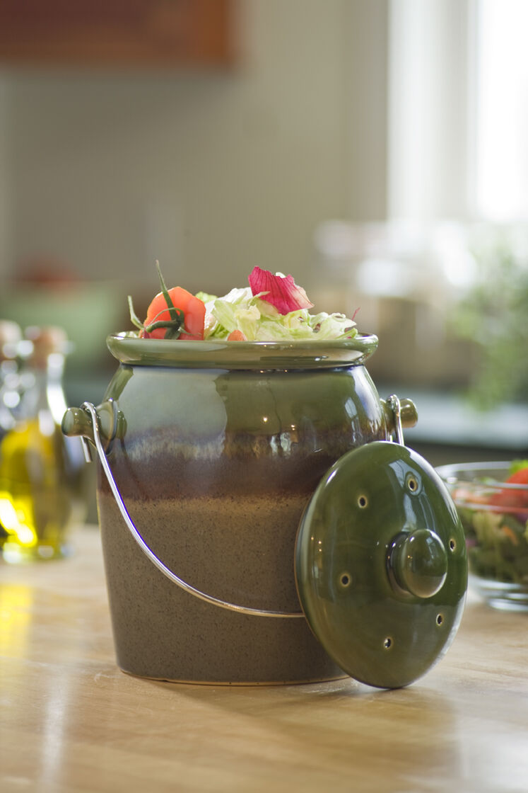 The Kitchen Gardener Stoneware Compost Crock Ceramic Compost Crock Gardeners Supply