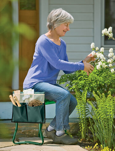 *Kneeler Pouch shown with Deep-Seat Garden Kneeler, sold separately.