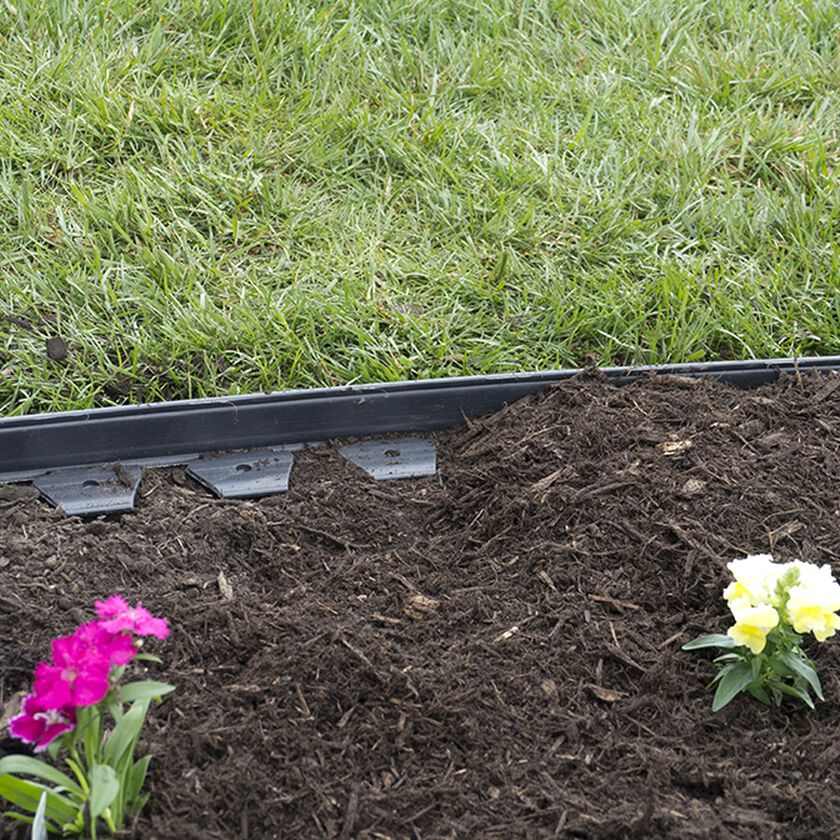 Easyflex no dig garden edging 50 39 metal landscaping edging for Easy gardener lawn edging