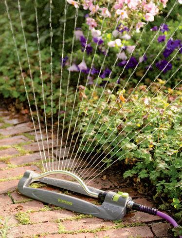 Clog Free Oscillating Sprinkler