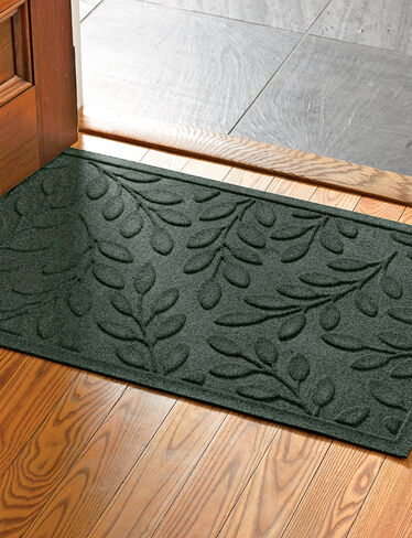 "Laurel Leaf Water Glutton Doormat, 23"" x 35"""