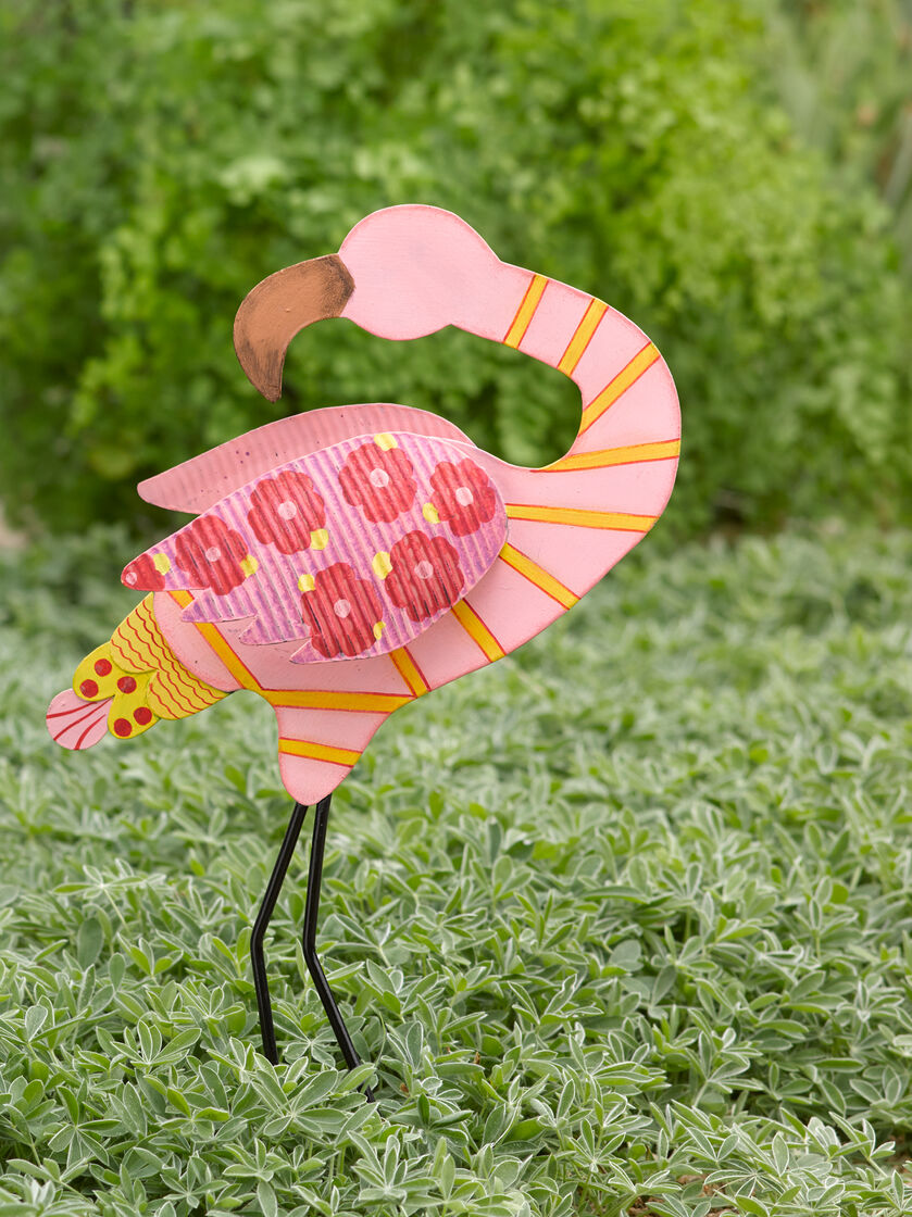 metal flamingo garden decor – home design and decorating