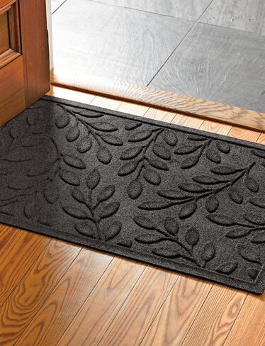 "Laurel Leaf Water Glutton Door Mat, 23"" x 35"""