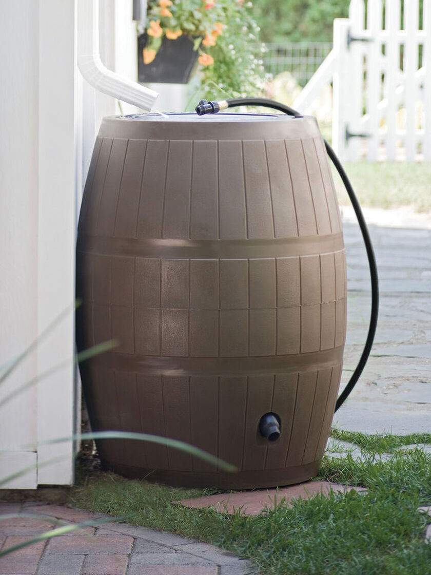 Rain Barrel 75 Gallon Brown Or Green Gardeners Com