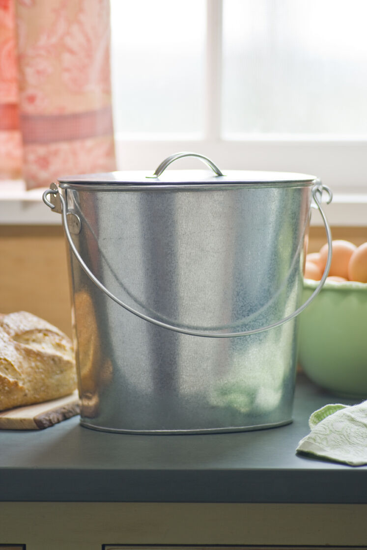 Kitchen Gardeners Galvanized Kitchen Compost Pail Buy From Gardeners Supply