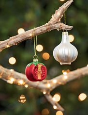 Heirloom Tomato and Garlic Ornaments, Set of 2