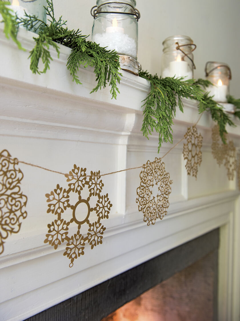 8591604 3868 paper snowflake garland